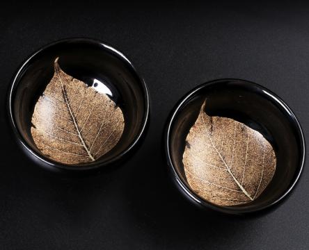 建盏茶具的好处,选择建盏也是很讲究的