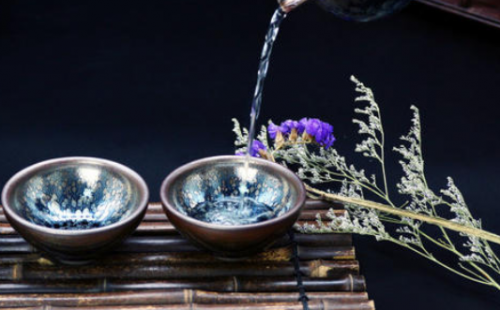 建盏不能喝生普洱吗,用建盏喝茶要注意什么