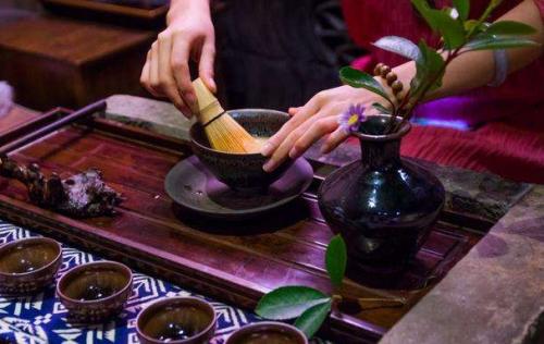 泡茶时的洗茶、醒茶、润茶,分别都是什么意思?