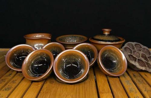 紫砂壶与建盏的区别,它们技术上有什么差距吗