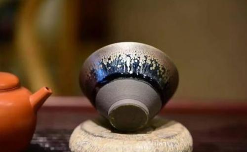 紫砂壶喝水和建盏喝水的区别,探究喝茶的正确姿势