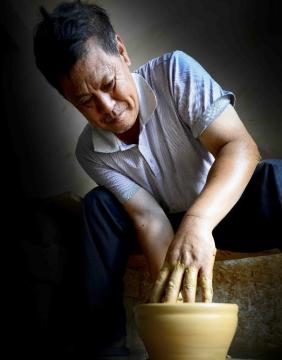 建盏大师——蔡炳龙:一花一木叶,一生为一盏