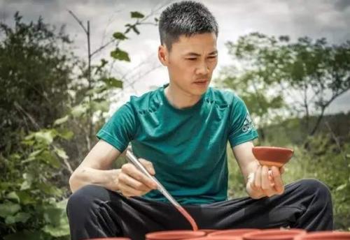 建盏匠人周建平,一位年轻却喜欢老盏的非遗文化传承人
